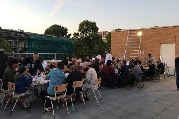 Kleurrijke iftar 2017
