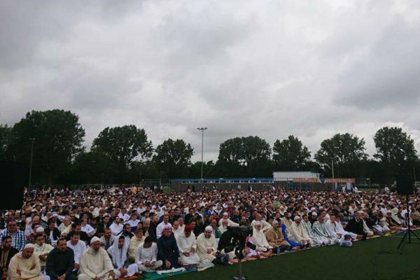 Vandaag hebben wij met ruim vierduizend mensen het Eid-gebed verricht